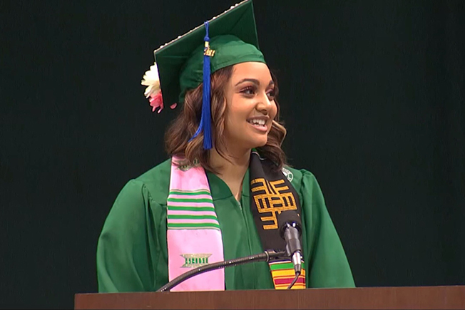 COM Grad Makaila Marshall giving Fall 2017 Commencement speech